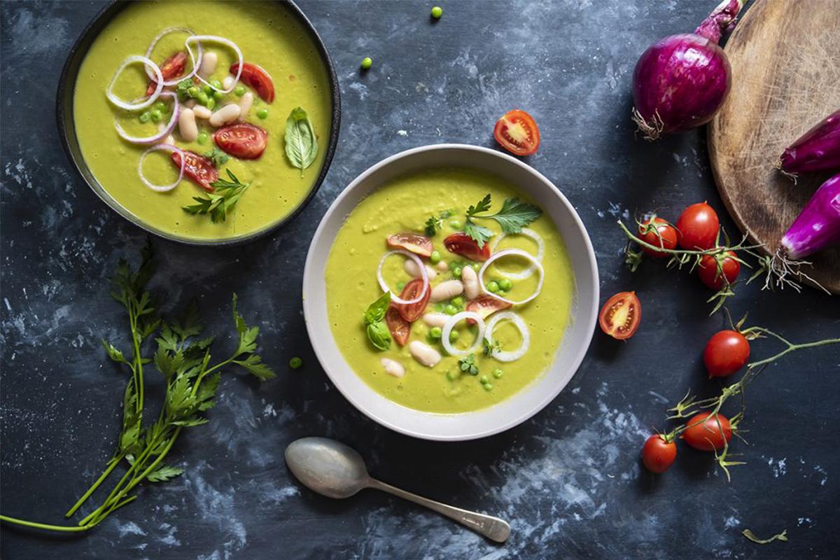Zuppe fredde: zuppa di piselli e fagioli cannellini