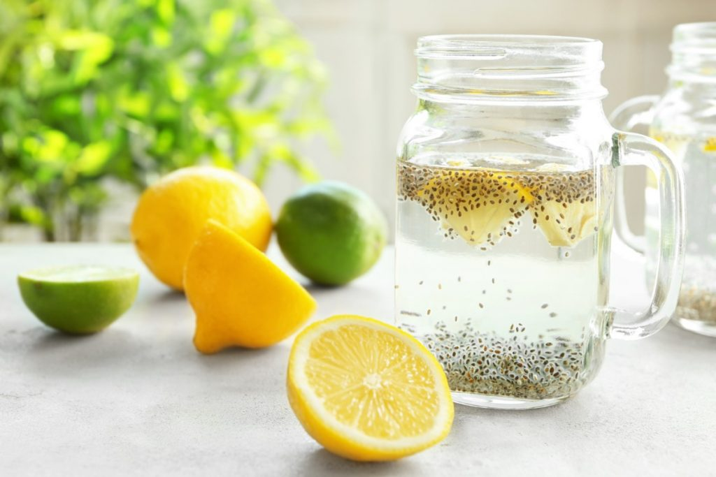 acqua e limone migliora la digestione