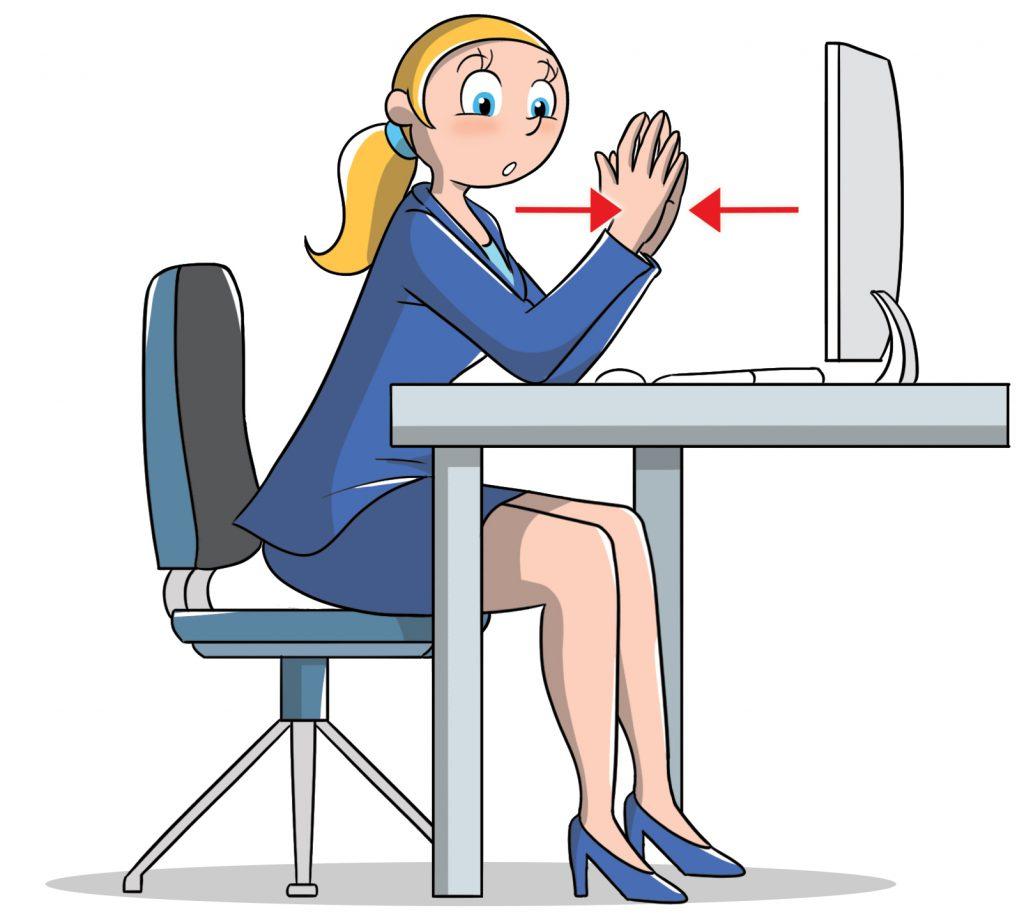 tonificare pettorali in ufficio: esercizi