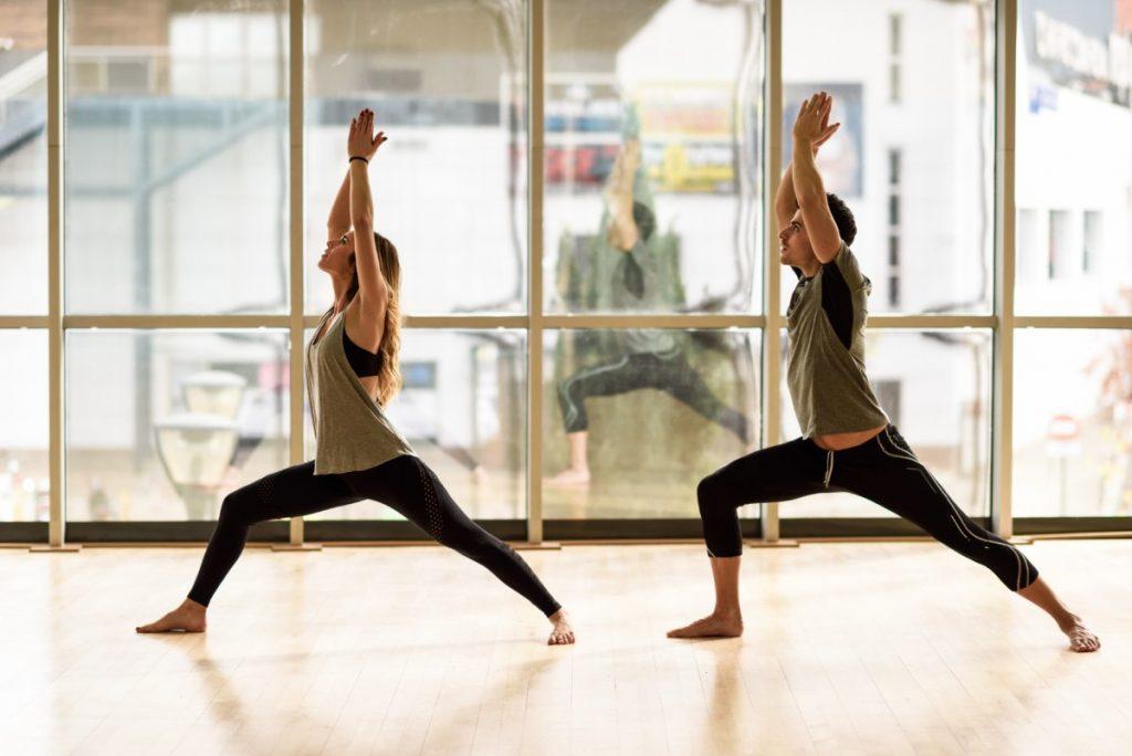 posizioni yoga: la guida illustrata