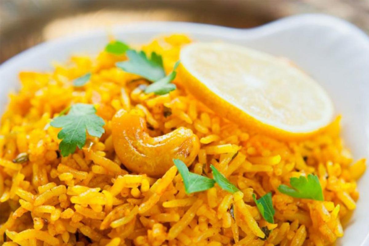 Ricette con riso: riso al vapore con curcuma