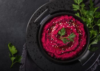 barbabietola: benefici, valori nutrizionali e usi in cucina
