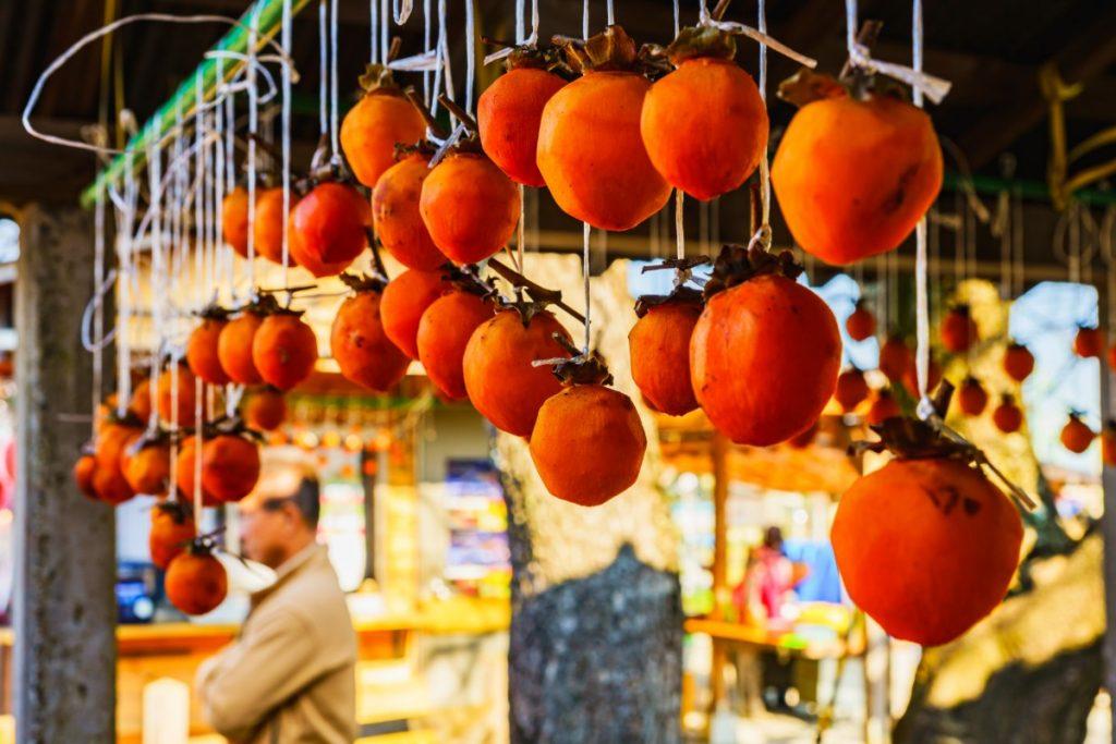 Hoshigaki: la ricetta giapponese dei cacchi essiccati