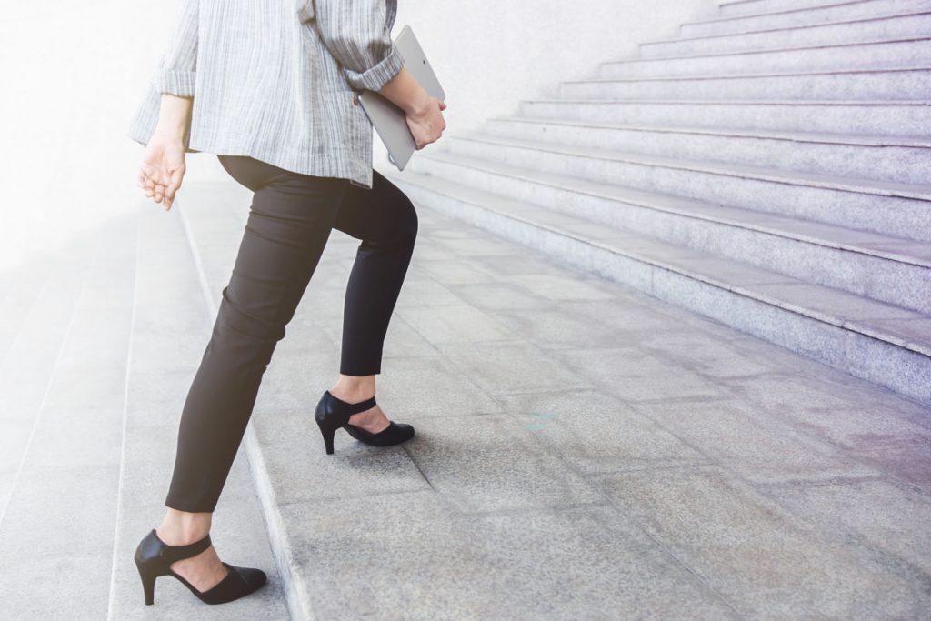 camminata lenta sintomo di  invecchiamento precoce