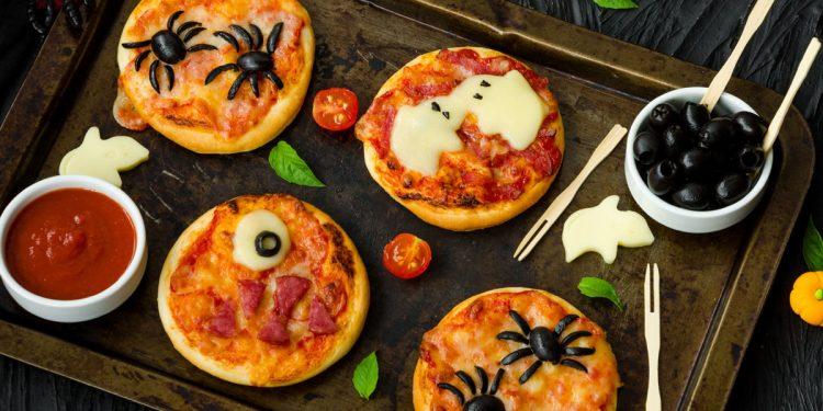 Halloween: pizzette mostruose ricetta