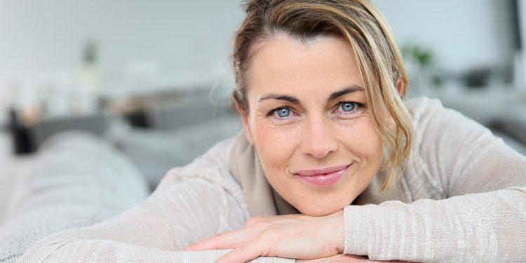 Menopausa: 5 cibi per contrastare i disturbi più comuni
