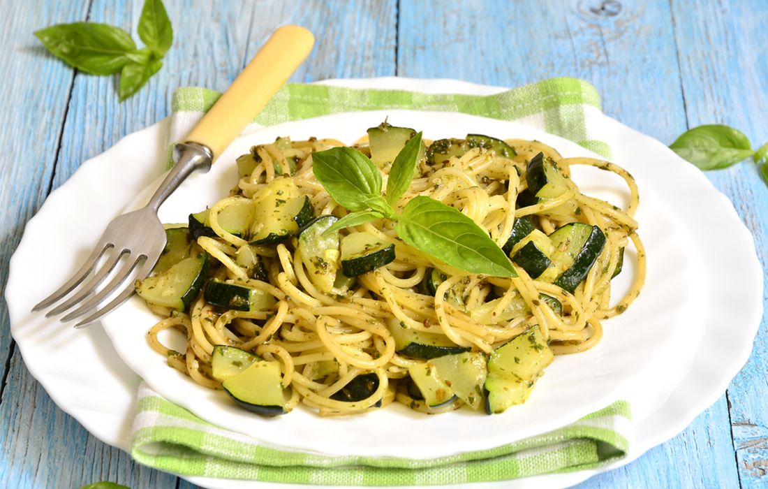 pasta al curry con zucchine
