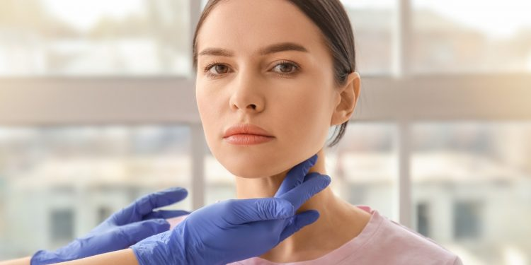tiroide: cos'è, disfunzioni, cause, cure e prevenzione con l'alimentazione