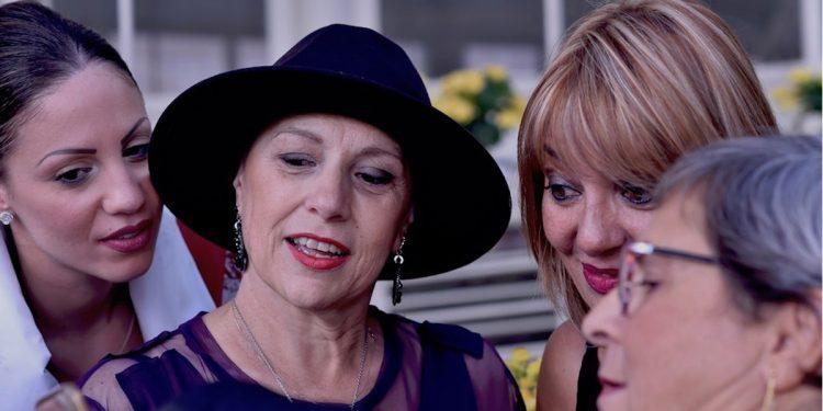 tumore seno mostra Donna x Donna