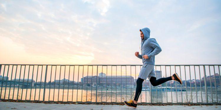Maglie da running per correre anche col freddo: le idee da regalare e regalarsi