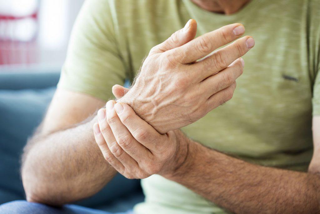 Meteo e dolore: sofferenza aumenta nei giorni umidi e ventosi