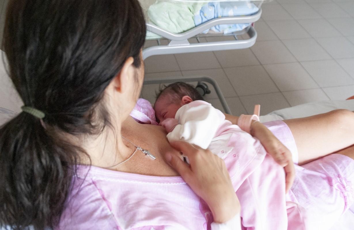 parto cesareo: cosa sente la mamma