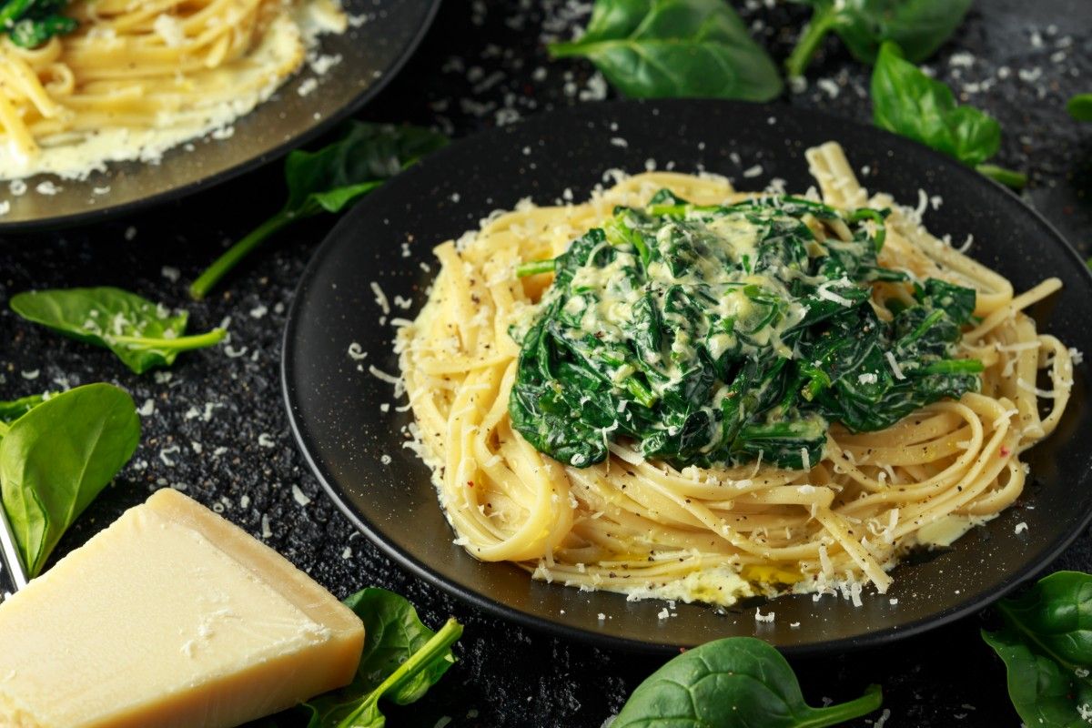 spaghetti integrali con spinaci