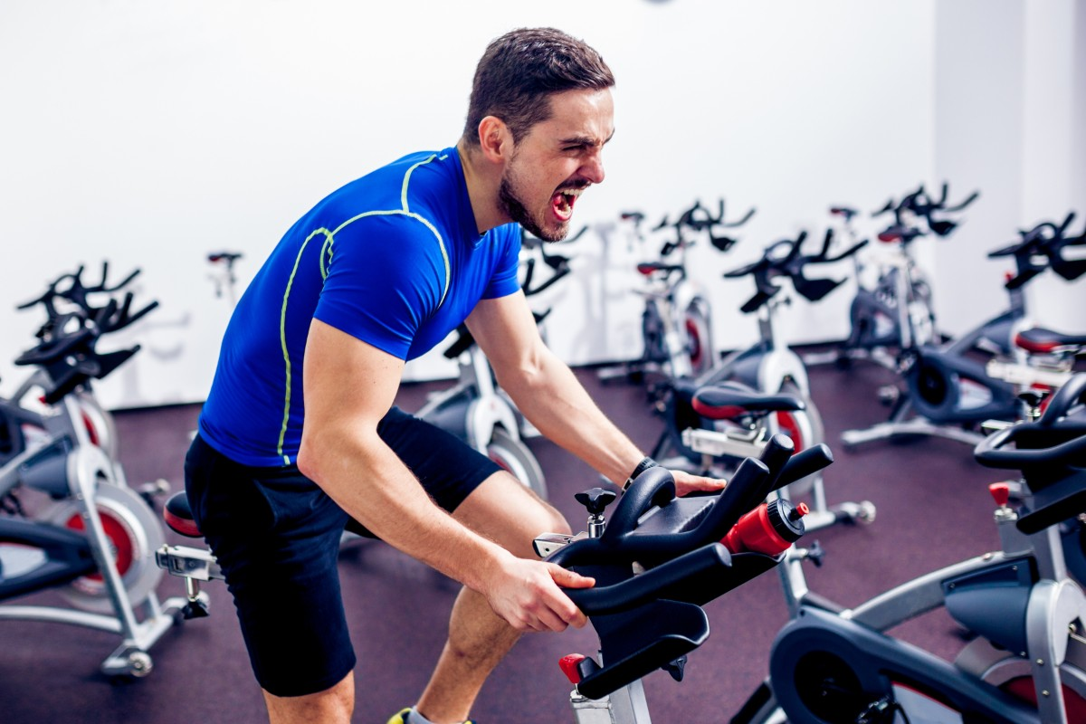 spinning: storia, benefici, spinbike e programmi di allenamento a casa