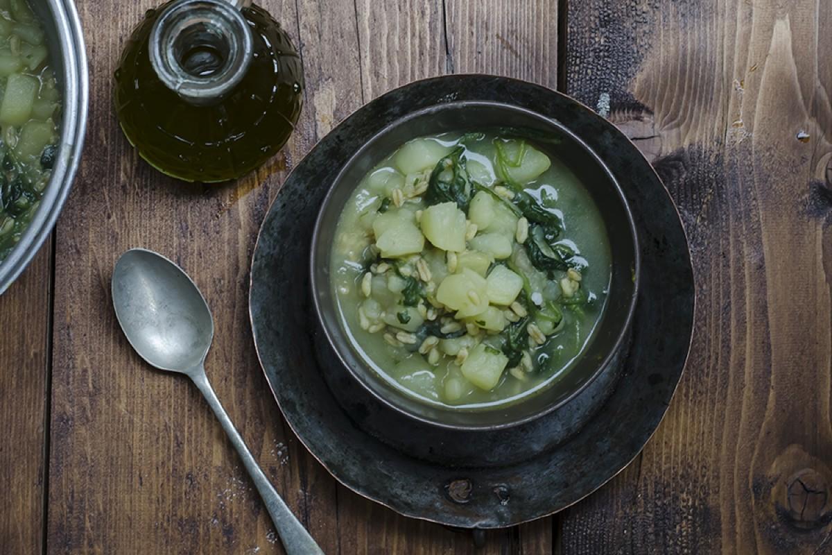 zuppa di patate bietole kamut