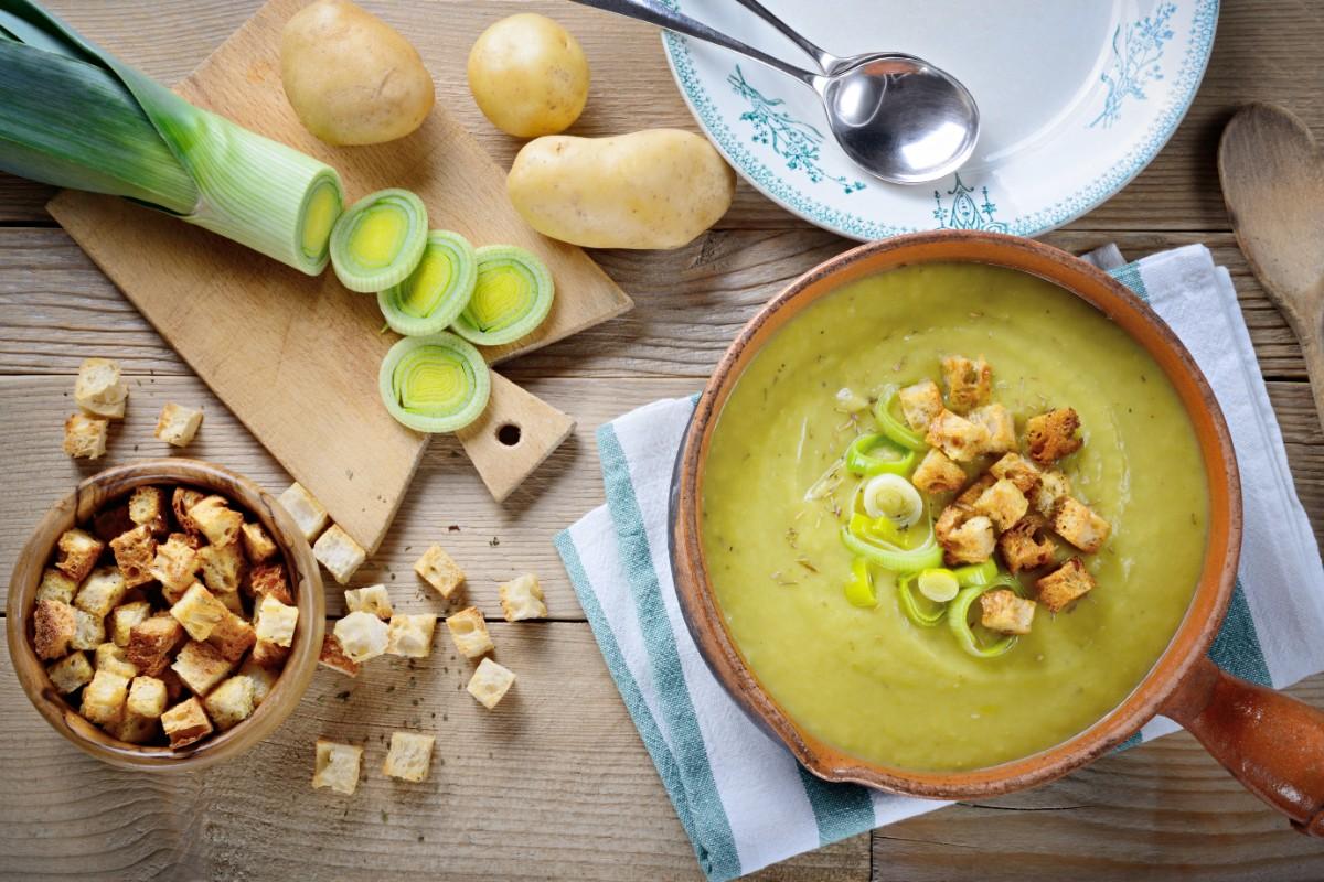 ricette con i porri: zuppa di patate e porri