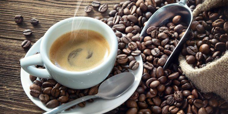 """La caffeina è un """"agente anti-obesità"""", in grado di ridurre la conservazione dei lipidi nelle cellule adipose e di limitare l'aumento di peso e la produzione di trigliceridi"""
