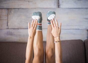 ginnastica da divano: sofa workout per un Natale in forma