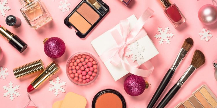 Natale 2019: 10 idee regalo per le beauty addicted