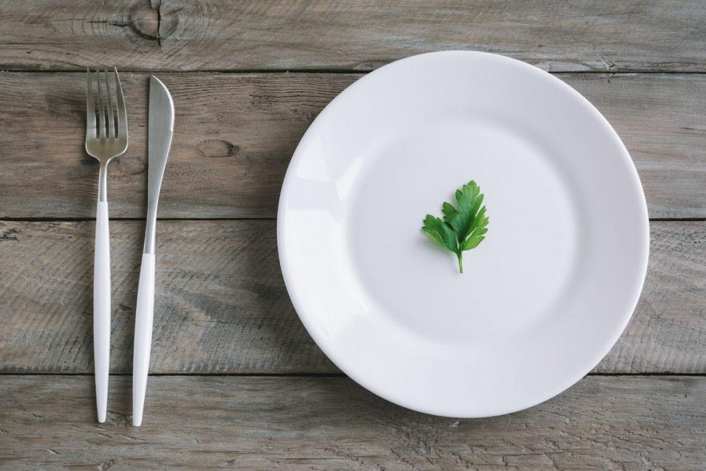 nuove linee guida sana alimentazione rischi diete integratori