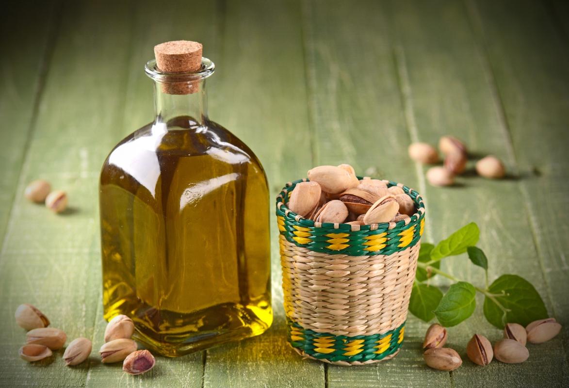 olio di pistacchio: benefici e trattamenti di bellezza