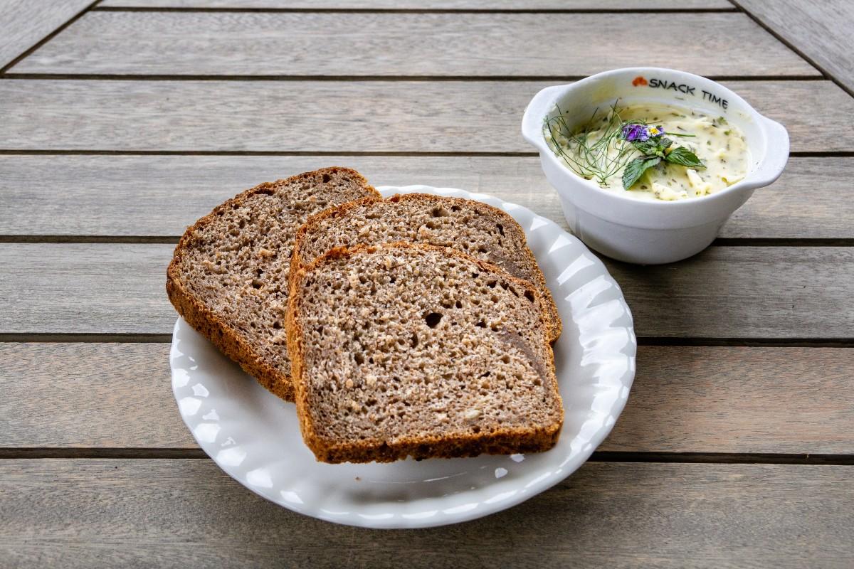 pane di segale calorie