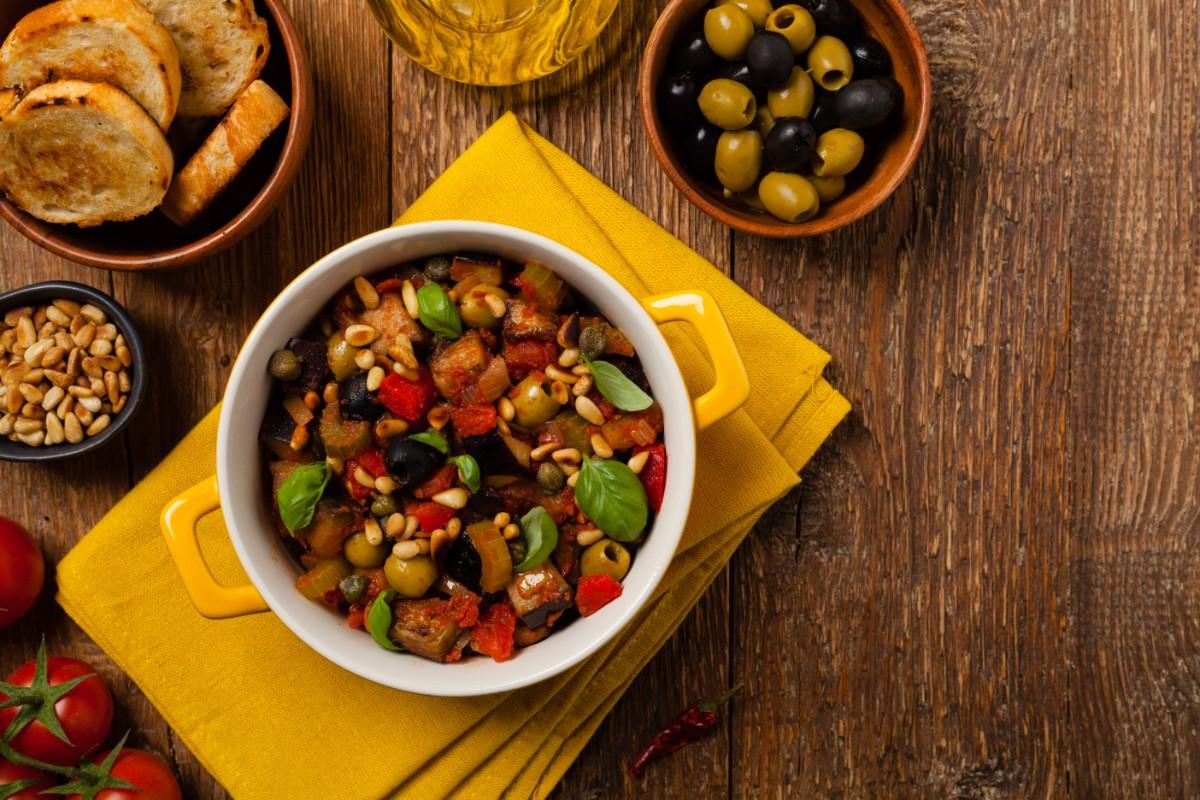 caponata light melanzane, olive e capperi