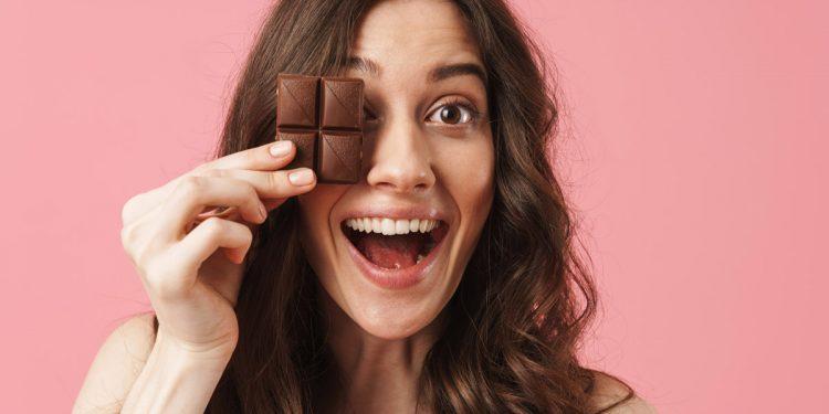 Dieta Sirt, ovvero la dieta che attiva i geni della magrezza con i cibi giusti. Funziona davvero? La parola al nutrizionista