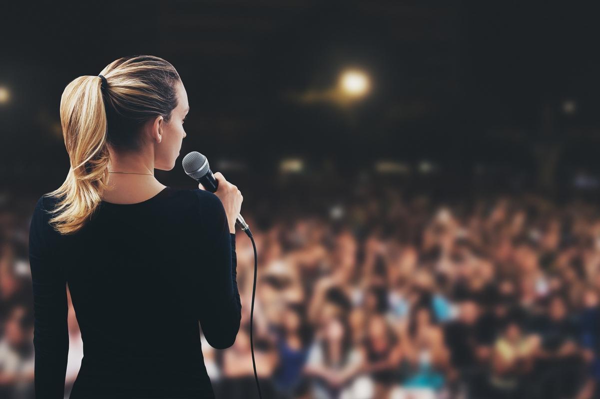 Glossofobia: 1 persona su 4 ha paura di parlare in pubblico