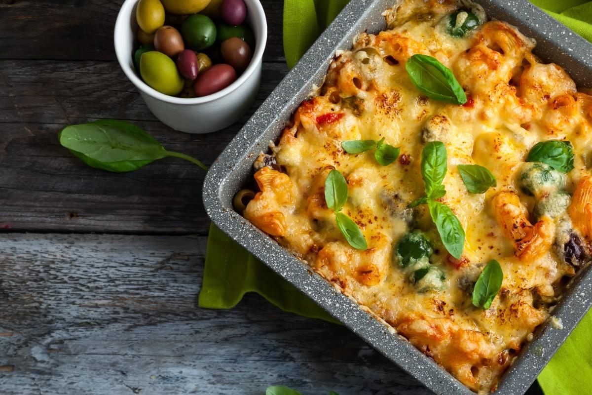 maccheroni al forno in salsa di olive