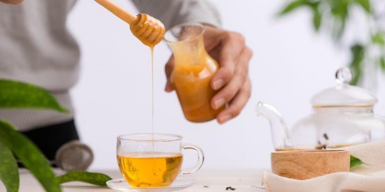 Miele: cos'è, produzione, benefici, a dieta, valori nutrizionali, usi alternati e ricette