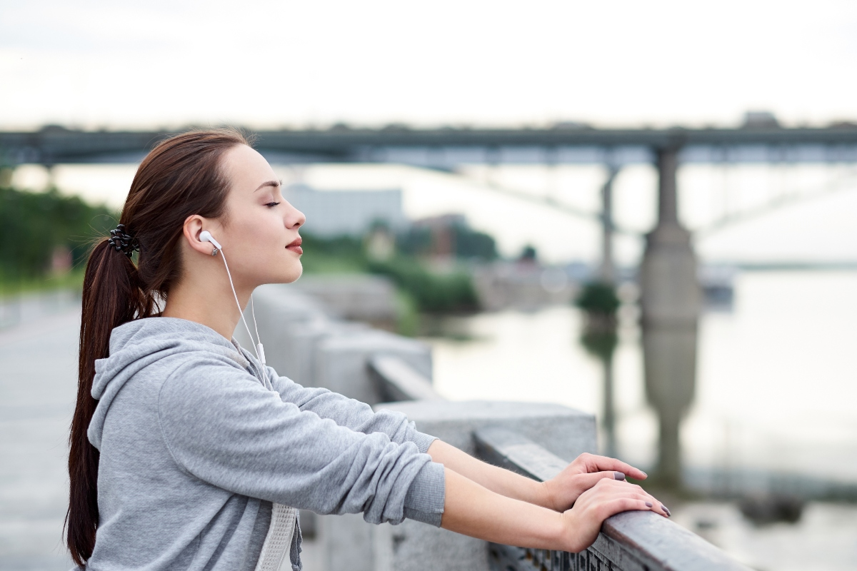 midfulness: cos'è, tecnica meditativa, benefici e critiche