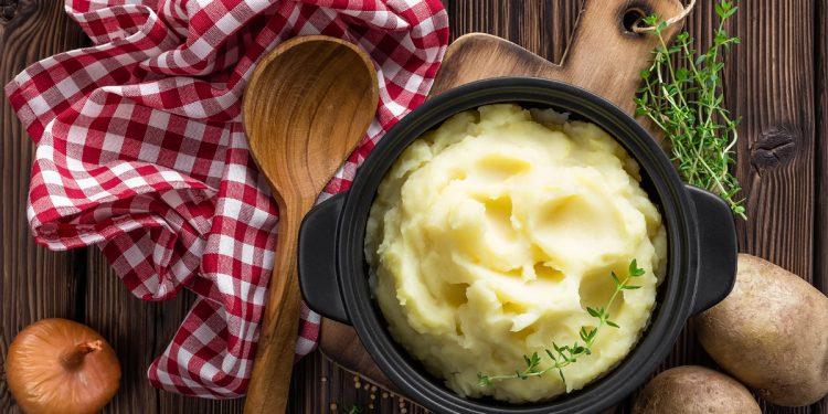 Purè: la ricetta classica con le patate e 3 varianti con le verdure da provare