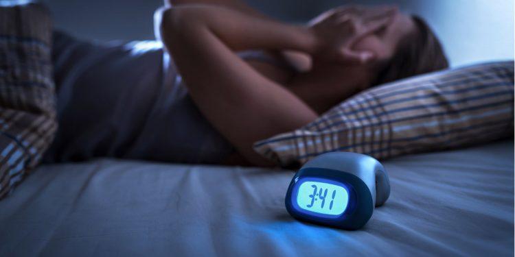Sonno frammentato: aumenta il rischio di emicrania due giorni dopo