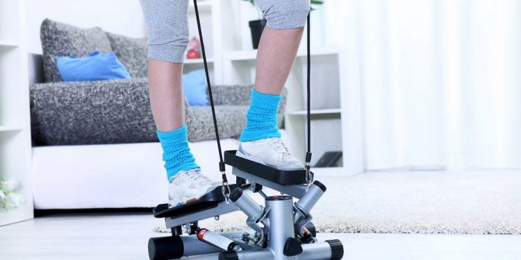 Step: 3 motivi per praticarlo e gli attrezzi per allenarti a casa
