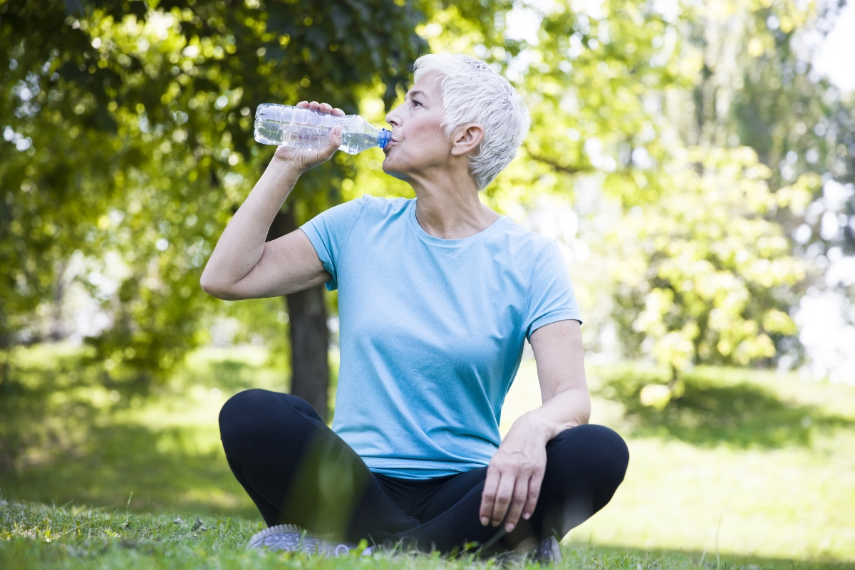 dimagrire in menopausa: acqua minerale