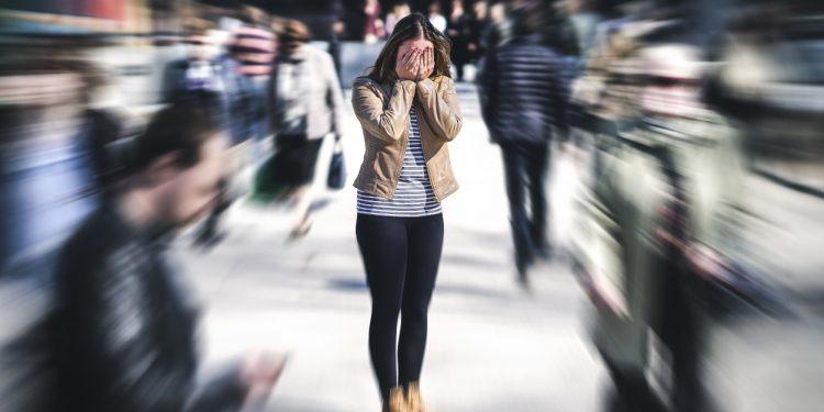attacchi di panico: cos'è, che fare, sintomi, cause e cure