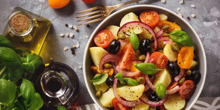 La dieta mediterranea fa bene anche a chi è obeso o in sovrappeso