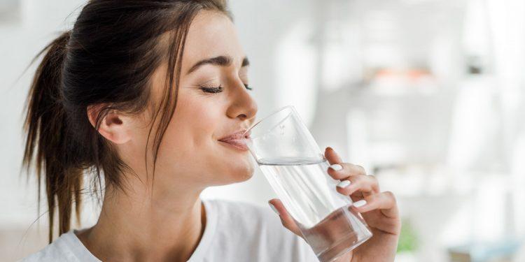 Idratazione: 10 alleati che ti aiutano a bere di più