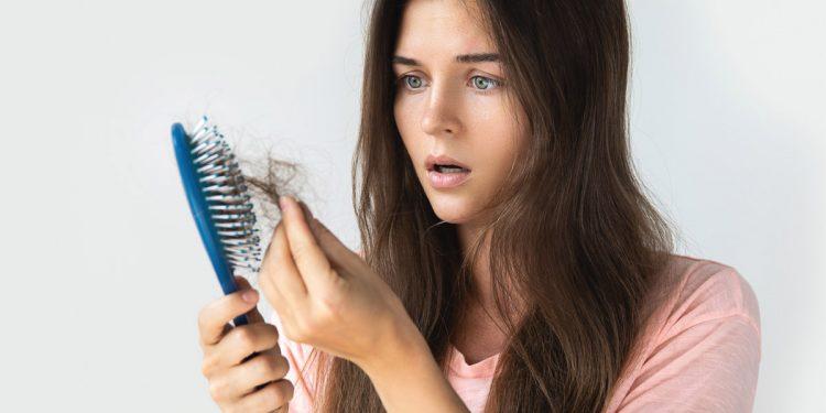Perdi i capelli? La colpa è anche dell'inquinamento