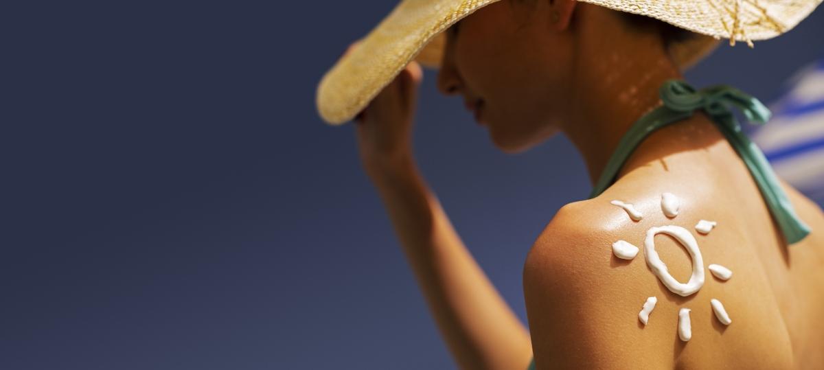 prevenire eritema solare: quando esporti al sole