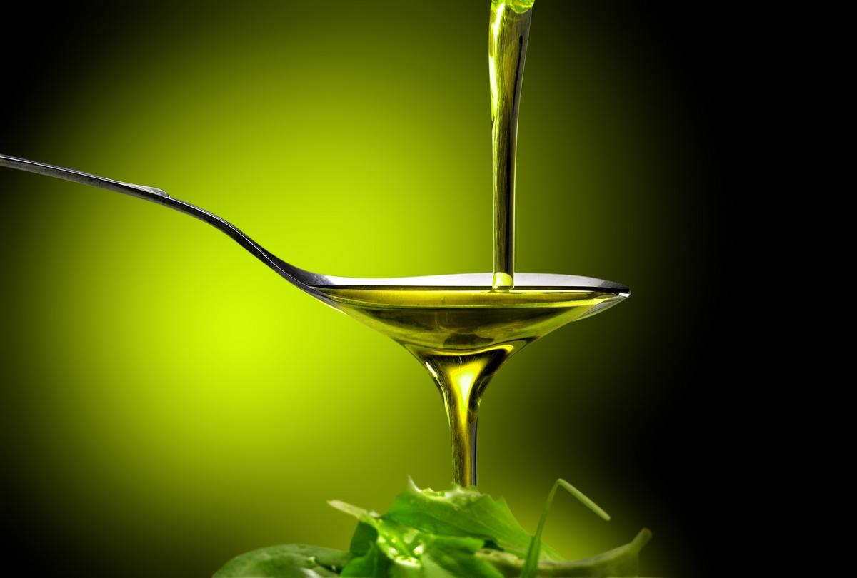 Olio extravergine: il 64% degli italiani non vi rinuncerebbe mai
