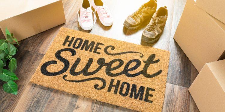 togliersi le scarpe in casa: igiene o tradizione