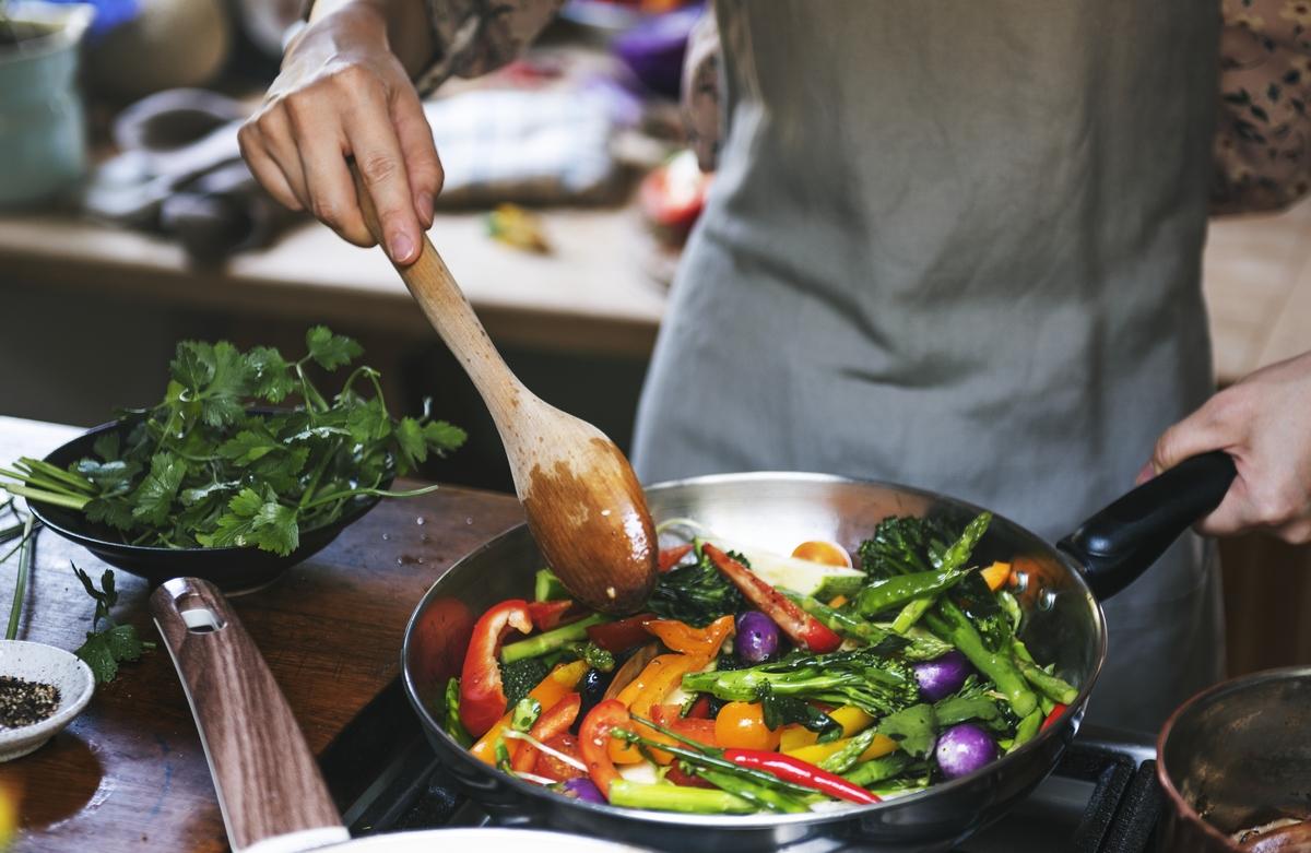 Frutta e verdura da consumare cotte e crude
