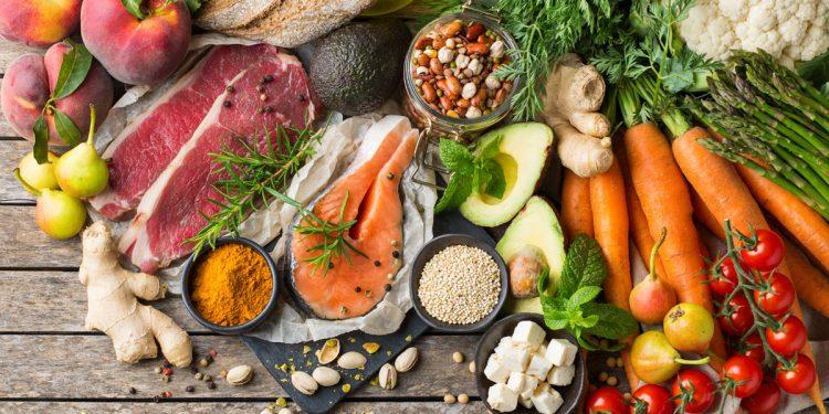 L'alimentazione che rinforza le tue difese immunitarie: i consigli del nutrizionista