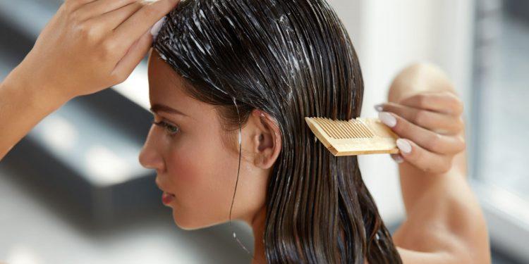 Balsamo per capelli, test tedesco su 30 prodotti: sostanze nocive in più della metà