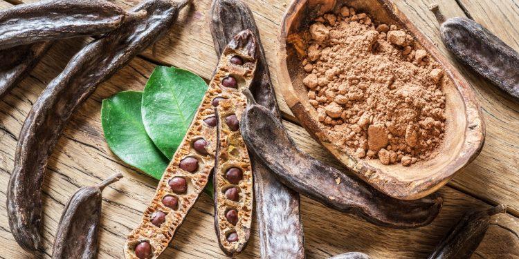 carruba: cos'è, benefici, proprietà nutrizionali, usi in cucina
