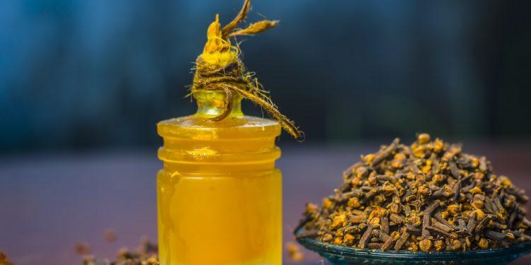 chiodi di garofano: cosa sono, proprietà, benefici, e ricette