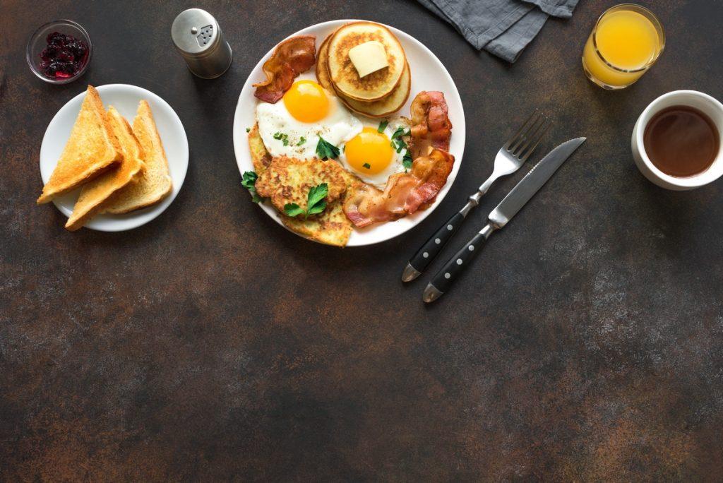 La ricerca dice che è meglio mangiare a colazione che a cena