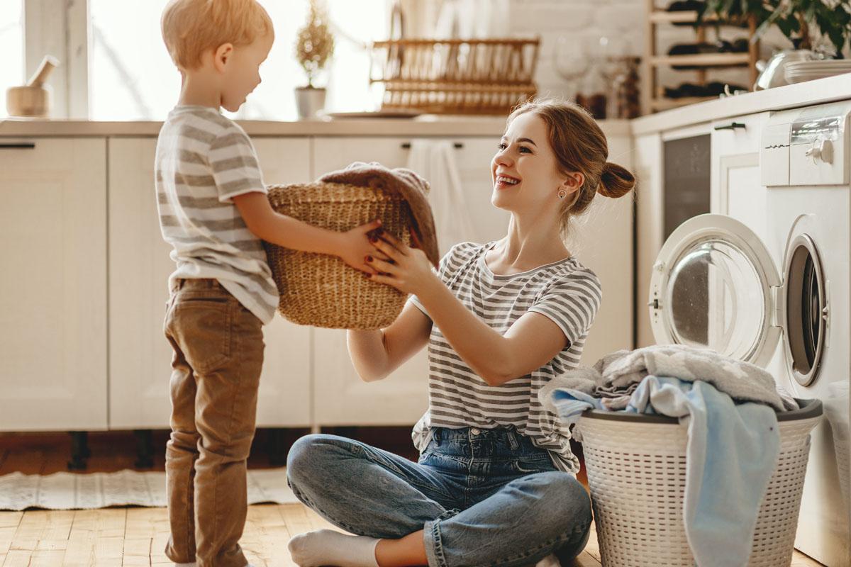coronavirus famiglie a casa organizzazione attività domestiche